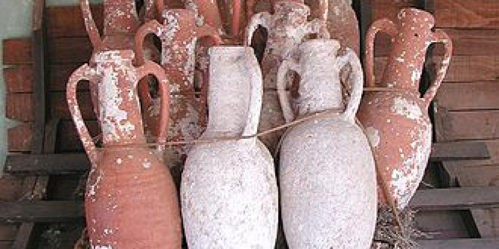 330px-Amphorae_retouched